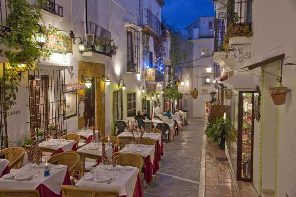 old-town-marbella-night-light